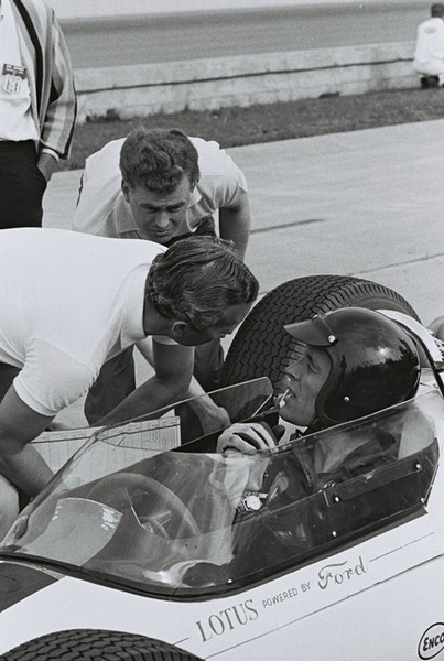 Dan Gurney qualifies for 1964 indy 500